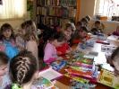 Pan policjant czyta dzieciom - 2011