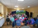 Głośne czytanie w najmłodszej grupie przedszkolaków z Przedszkola w Michałowie