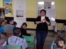 Spotkanie pisarki Krystyny Śmigielskiej z młodymi czytelnikami
